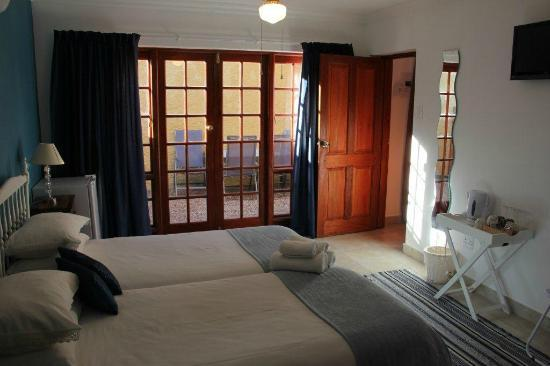 Gumtree Guest House: 2nd bedroom of cottage with twin beds