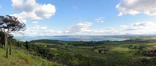Agriturismo La Sosta di Annibale : panoramica sul Lago Trasimeno