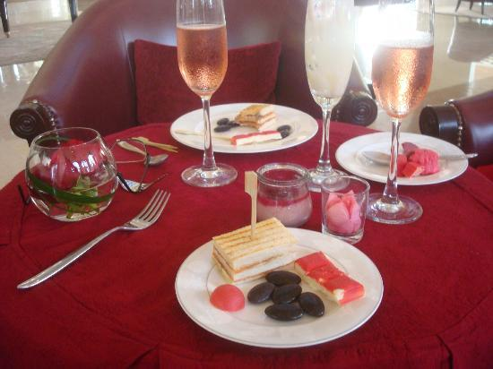 Le Bar: Mostly sweets, with a salmon sandwich, sparkling rose