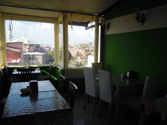 City Guesthouse Istanbul: veranda per la colazione