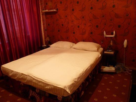 Otel Han: Room