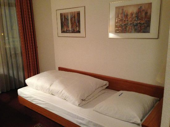Hotel Baer: ベッド