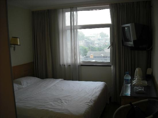 King's Joy Hotel: Hotel Room