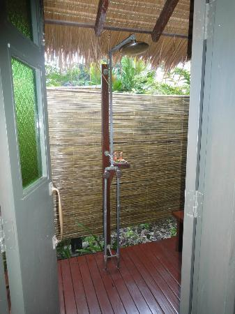 Zeavola Resort: outdoor shower. The peppermint shower gel in the outdoor shower - it doesnt get better than th