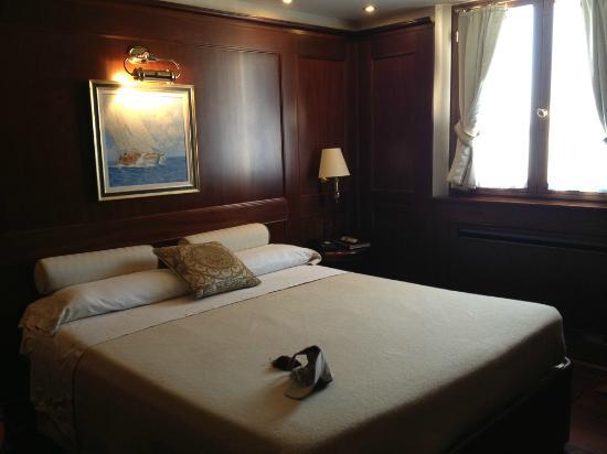 Hotel Bucintoro: Room 403 - small but very nice!