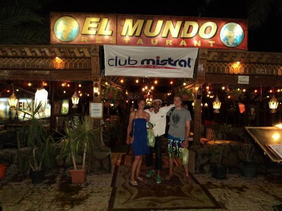 El Mundo : Great time with Moon at Mundo!