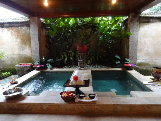 Puri Wulandari Boutique Resort: spa tubs at spa