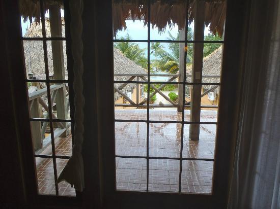 Portofino Beach Resort : The porch (Raining)