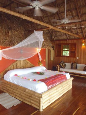 Portofino Beach Resort : Honeymoon suite