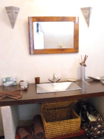 Riad Les Jardins Mandaline: vasque