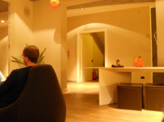 Hotel Aqua: Hall