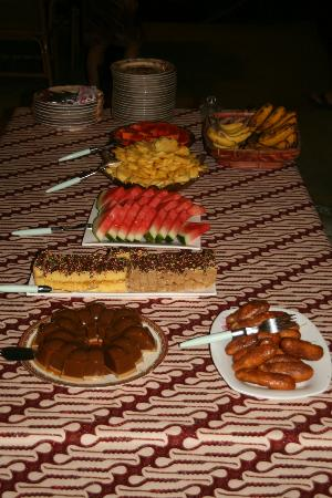 Murex Dive Resort: everytime: Murex offers plenty of fruit and very good afternoon snacks