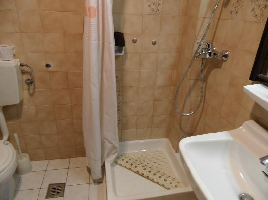 Albatros Spa & Resort Hotel: Salle de bain partie ancienne de l'hôtel