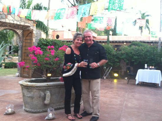 Hacienda De Los Santos: Happy Couple @ Hacienda de los Santos 