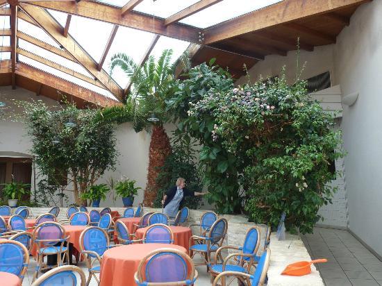 Hotel Les Grenettes : La Verrière du petit déjeuner