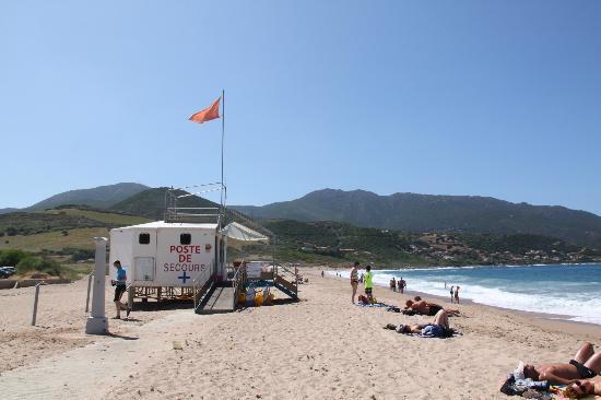 Marina di Lava: La spiaggia