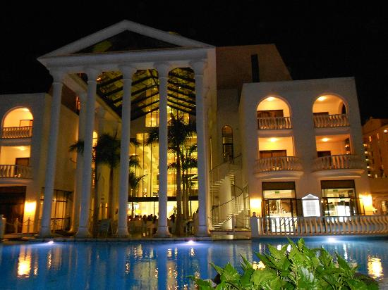 Guayarmina Princess Hotel: back of hotel & pool at night