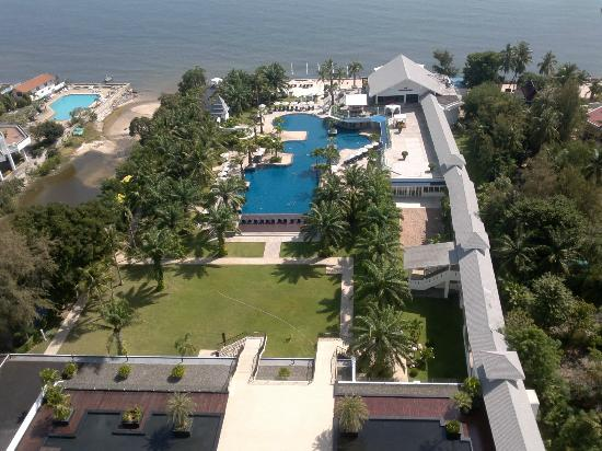Novotel Hua Hin Cha Am Beach Resort and Spa: ocean view from deluxe room