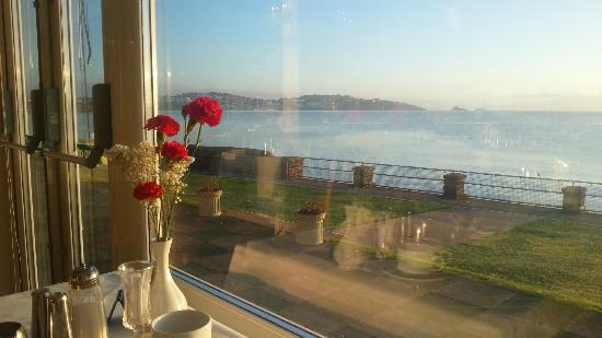 The Redcliffe Hotel: Breakfast view over the bay