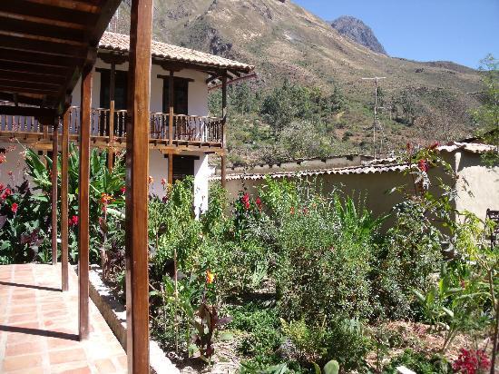 El Albergue Ollantaytambo: near hills
