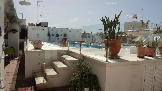 Hotel Becquer: Swimming pool (rooftop)