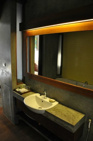 Holiday Inn Resort Krabi Ao Nang Beach: Baño