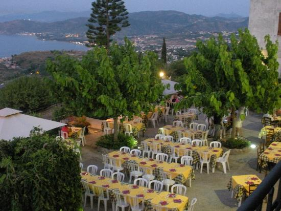 Agriturismo Santa Margherita : vista dalla camera sulla terrazza