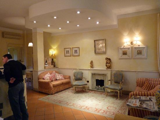 Hotel Porta San Mamolo: Reception Area