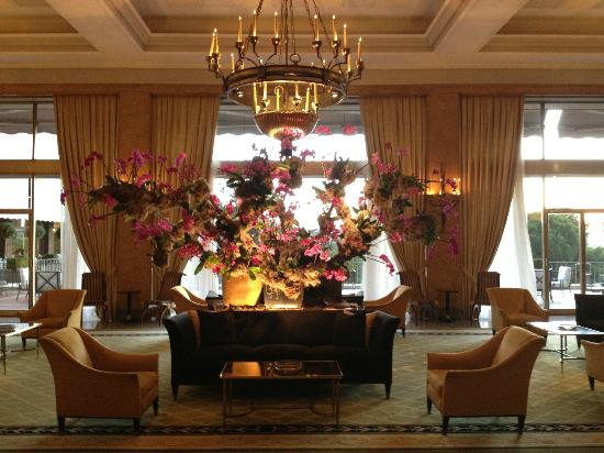 Four Seasons Hotel Ritz Lisbon: The lobby