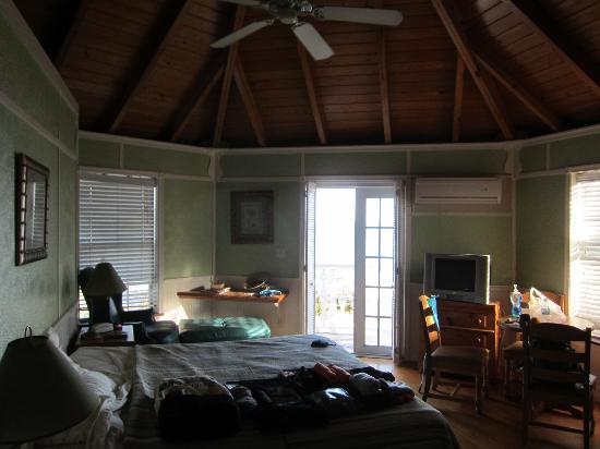 Orange Hill Beach Inn: cottage room