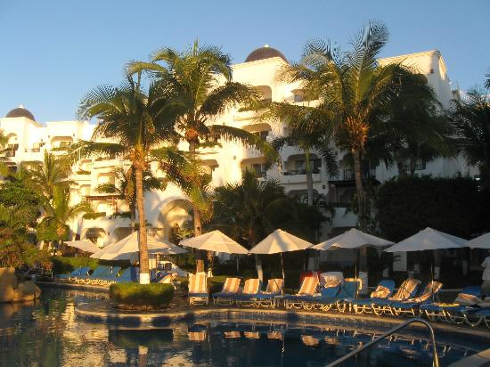 "Pueblo Bonito Los Cabos: Main part of the ""U"", approximately suites x16-x21"