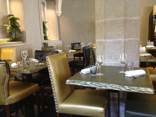 Au 3 Vauban : la salle du restaurant