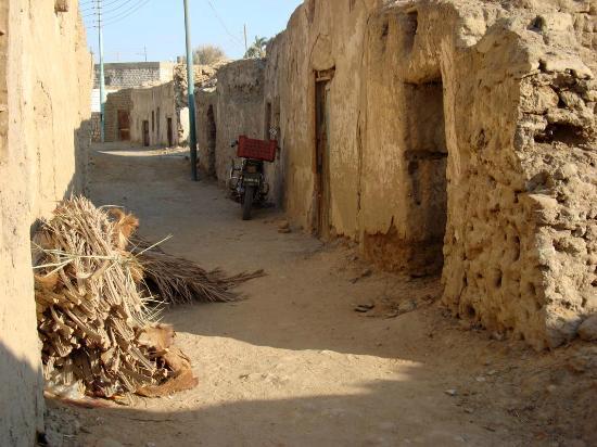 Old Bawiti: Hauptweg im Ksar