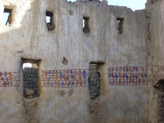 "Old Bawiti: ""Tapete"" im verfallenden Ksar"