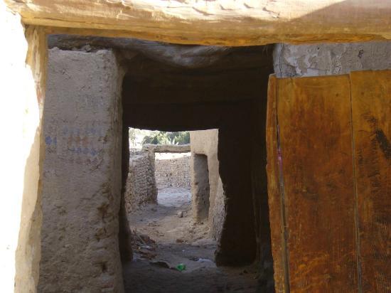 Old Bawiti: Durchgang im Ksar