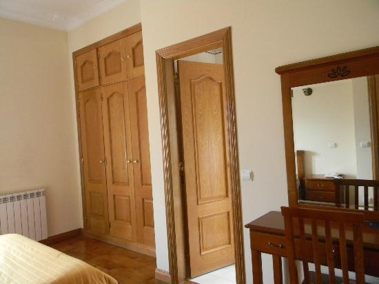 Hotel Smart: номер - и дверь в ванную