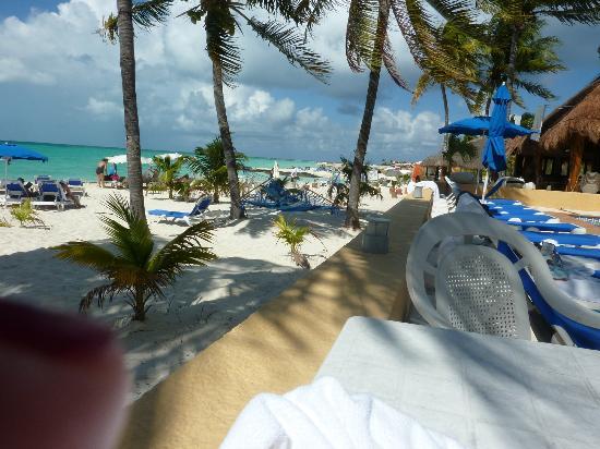 Nautibeach Condos: Playa Norte