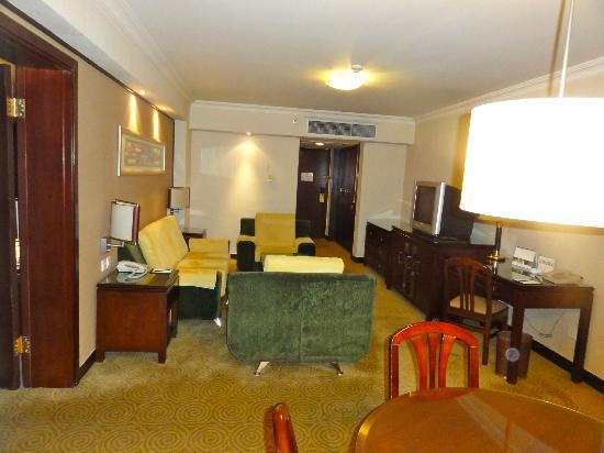 Golden Flower Hotel, Xi'an: Room entrance