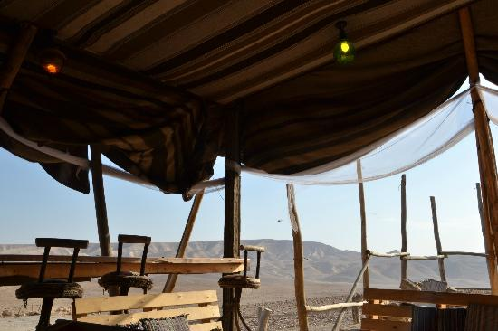 Kfar Hanokdim : Breakfast in the greater tent