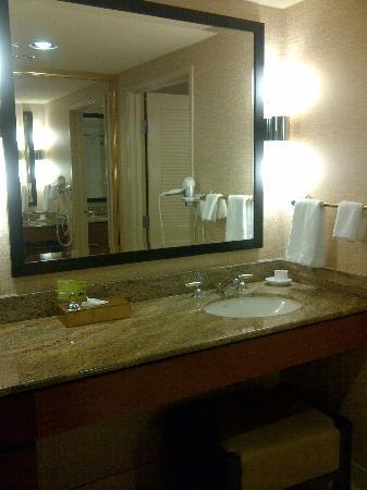 Rio All-Suite Hotel & Casino: Rio Suites 2nd Bathroom Area