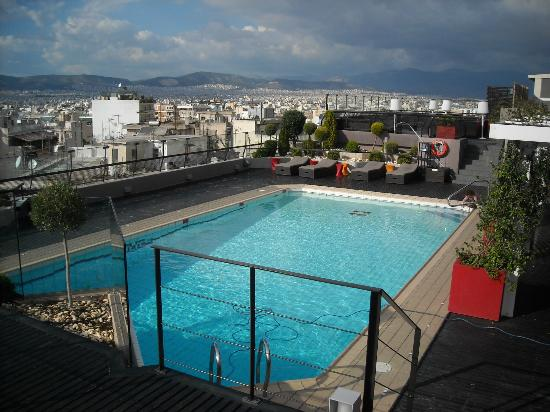 Novotel Athenes: Pool at 7th floor.