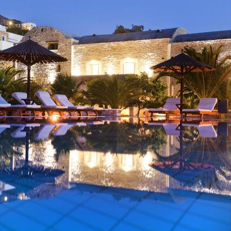 Petros Place Hotel : pool area