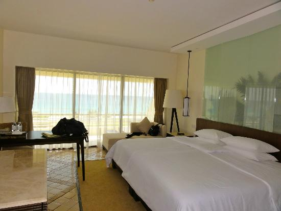 Hilton Phuket Arcadia Resort & Spa: room