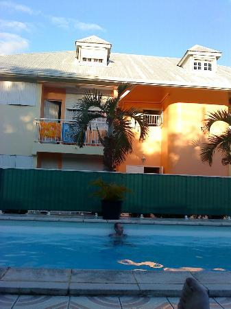 Hotel Le Petit Havre: vue de l'hotel coté piscine