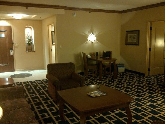 Sandia Casino & Resort: Sandia Resort 1 Bedroom Suite Living Area and Pwder Room