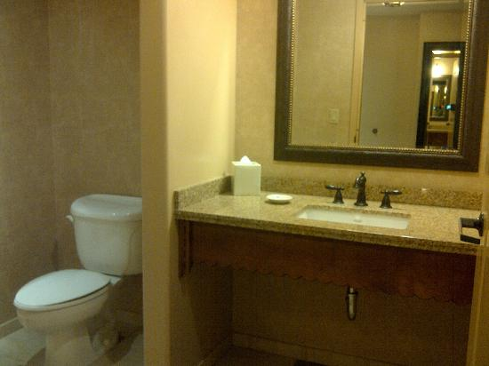 Sandia Casino & Resort: Sandia Resort 1 Bedroom Suite Powder Room - 2nd Bathroom