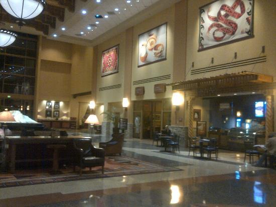 Sandia Resort & Casino: Sandia Resort Lobby