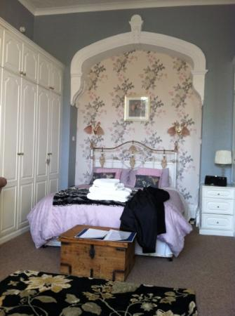 The Old Vic Guest House: lovely spacious room