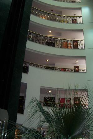 Papillon Ayscha Hotel : Interior balcony overlooking reception area