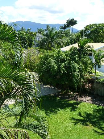 Nomads Cairns Backpackers and Serpent Bar: View from my room
